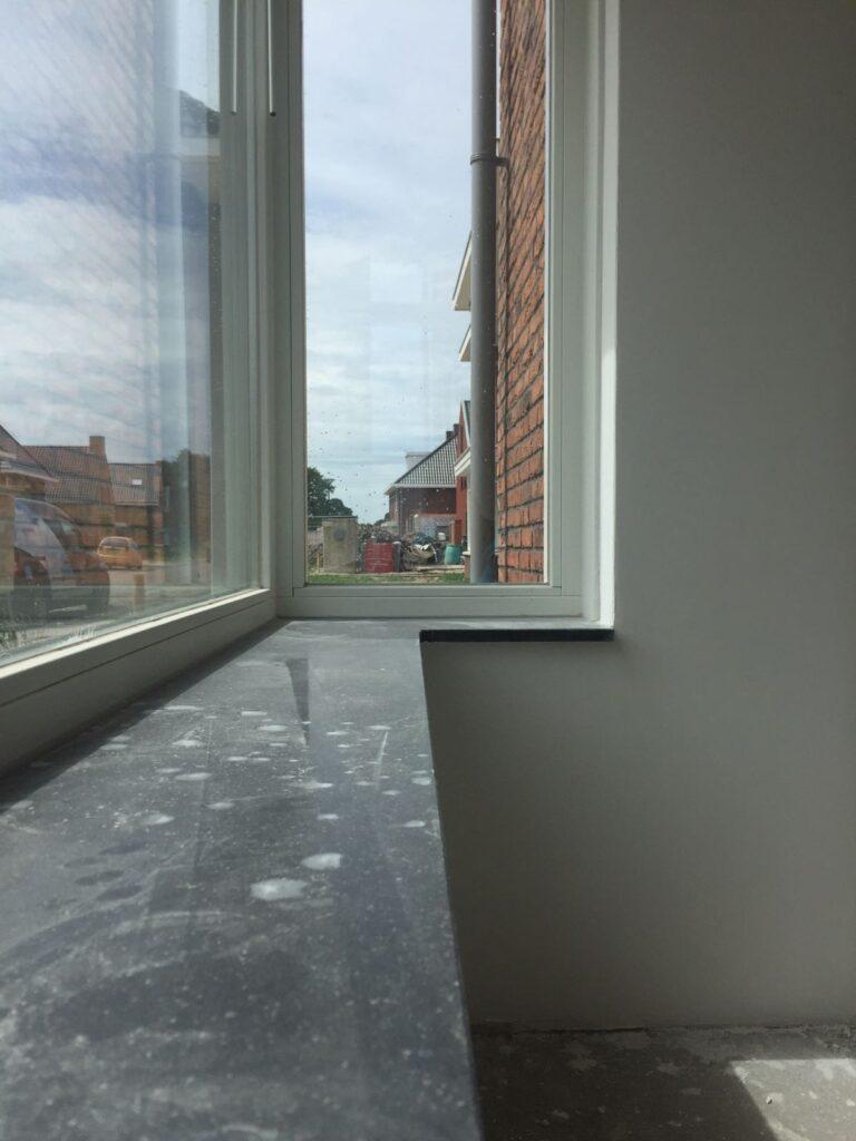 Krassen verwijderen in vensterbank